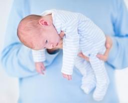 ¿Qué hacer en caso de sufrimiento fetal y daño cerebral al momento del parto?